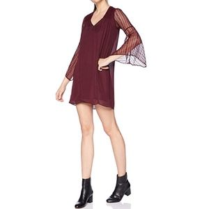 Avec Les Filles Women's Bell Sleeve Shift Dress
